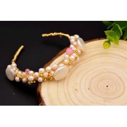 Brazalete de oro con perlas blancas