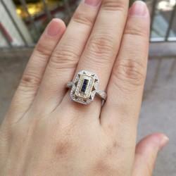 anillo de boda piedra azul
