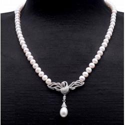 Collares de perlas redondas
