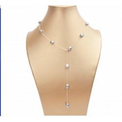 Collar de perlas gris