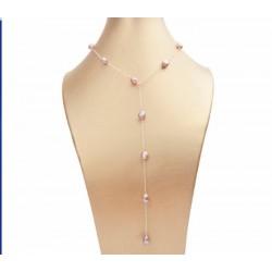 Collar de perlas púrpura