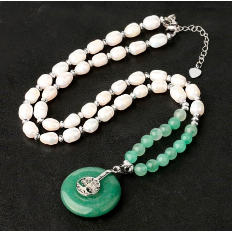 Collar de perlas cultivadas con colgante árbol de la vida