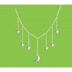 collar de plata y estrellas