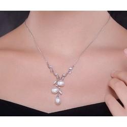 Collar de plata con perlas